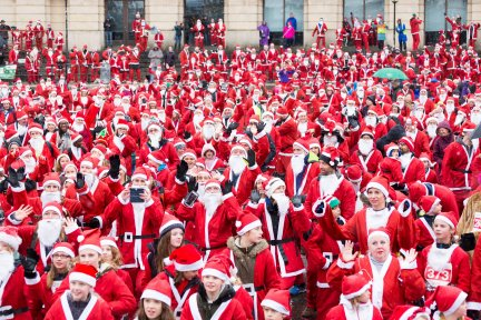Santas on the Run Bristol warm up