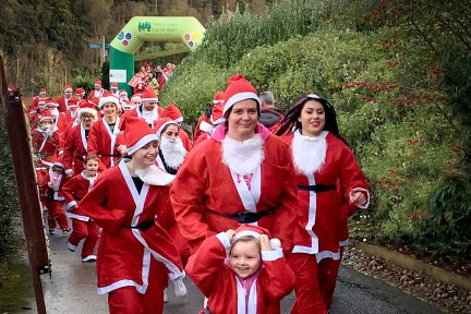 Santas on the Run Eden