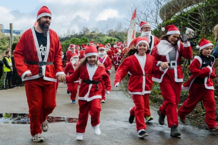 Santas sprinting around Eden at last year's event
