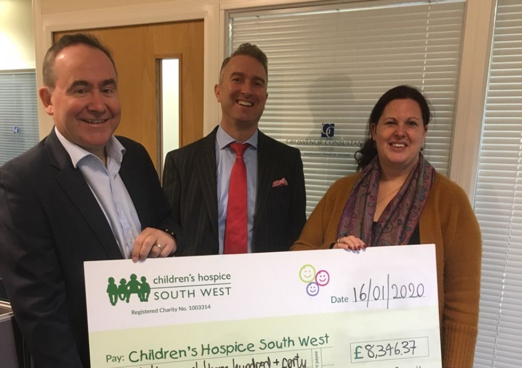 Grosvenor-Consultancy-give-cheque-to-CHSW