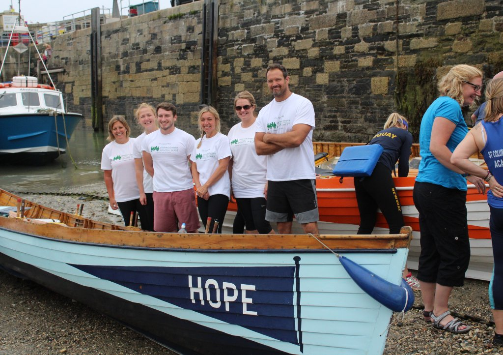CHSW team ready to row at the 2017 charity gig row
