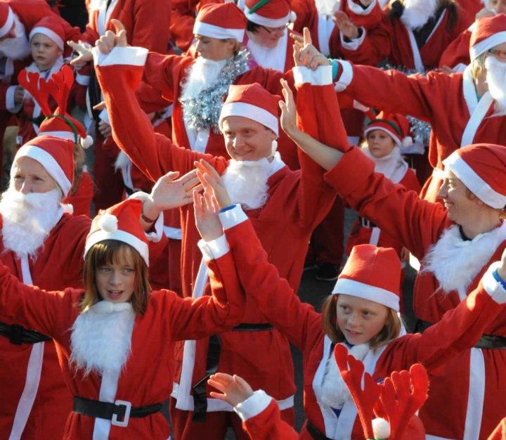 Santas on the Run - group warmup