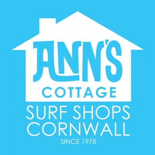 Ann's Cottage Surf Shops Cornwall sponsors of Rainbow Run Newquay 2018