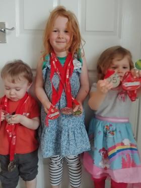 CHSW Santas on the Run medals